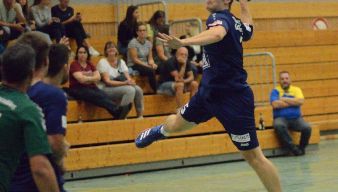 Florian Kloß beim erfolgreichen Torwurf